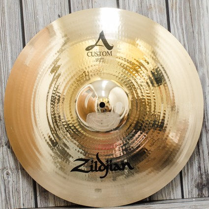 "Zildjian A Custom Crash Cymbal - 17"" Display Stock (144483)"