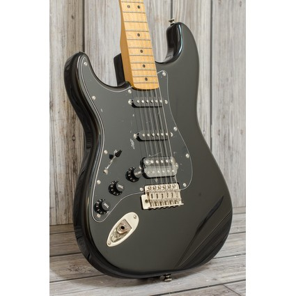 Squier Classic Vibe 70''s Strat Left Hand HSS Black Maple (293501)