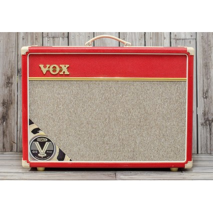 Pre Owned Vox AC15 ltd Red Inc Hard Case (310727)